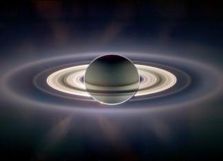 Снимка на Сатурн на Касини-Хюйгенс