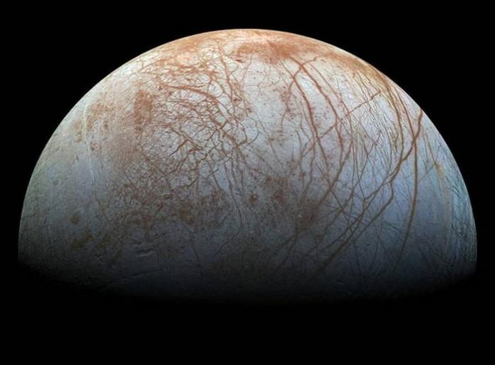 Луната Европа